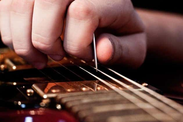 Classical Guitar Course on Alternate Picking