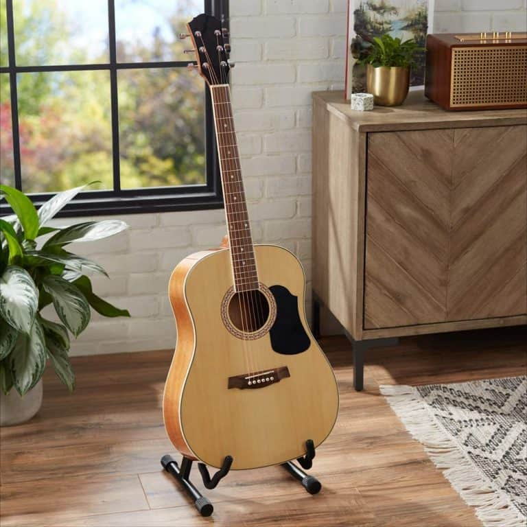 AmazonBasics Beginner Acoustic Guitar with Strings, Picks, Tuner, Strap, and Case – 41-Inch, Spruce and Basswood