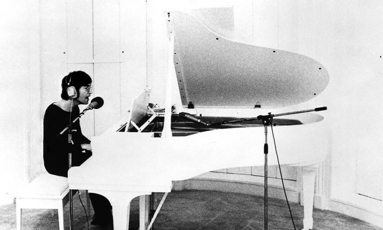 What Are The Complete Beginner Piano Chords to Imagine by John Lennon? Play by Ear