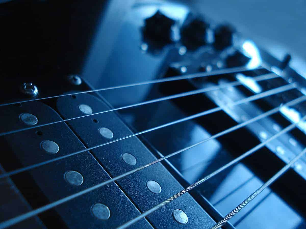 Electric Guitar Pickups – Why Should You Replace Them?