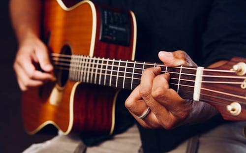 Improve Your Acoustic Guitar Playing By Studying How Other Instruments Play Their Notes