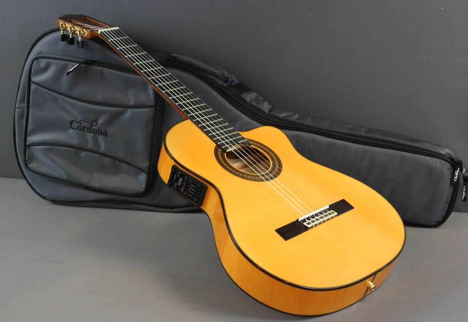 cordoba c5 vs c7 guitar