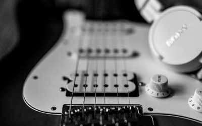 5 Awesome Tips On How To Play Electric Guitar through Headphones