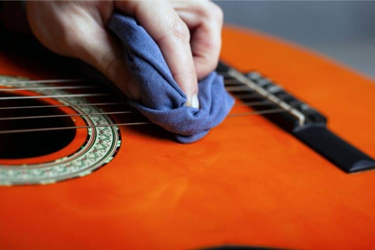 How To Clean Guitar Strings